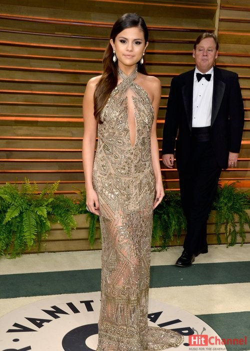 selena gomez at vanity fair oscars party 2014