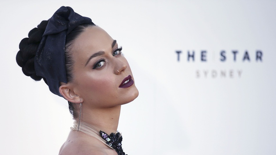 Katy Perry καλεί Lenny Kravitz στο Super Bowl 2015