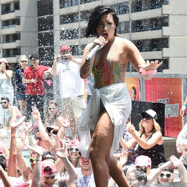 demi-lovato-cool-for-the-summer-pool-party-1