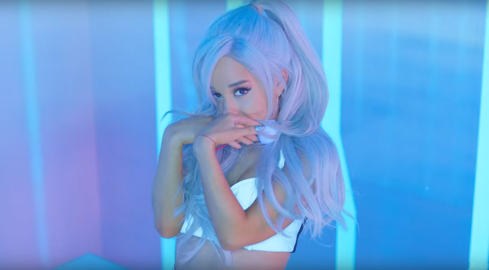Ariana Grande To έ Single Focus έ ί