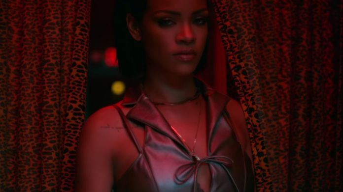 "Rihanna: λεφτά, σεξ και όπλα στο νέο βίντεο ""Needed me"" Περισσότερα: http://www.hit-channel.com/rihanna-lefta-sex-ke-opla-sto-neo-vinteo-needed-me/98914#ixzz46OUTNAeO Follow us: @HitChannel on Twitter 