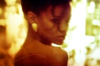 rihanna where have you  been video hit-channel