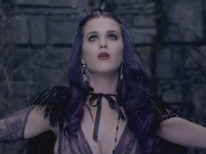Katy Perry – Wide Awake video