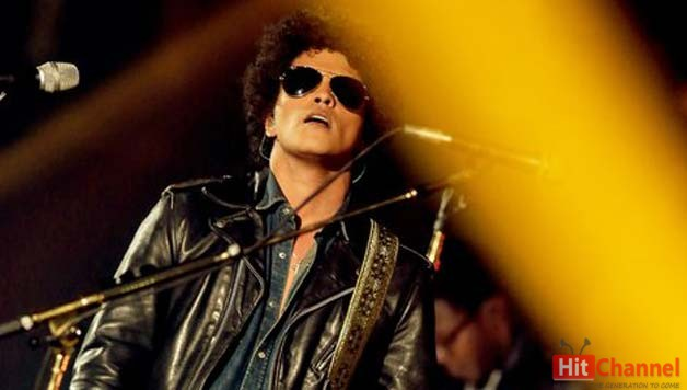 Bruno Mars Live at Mtv Ema 2013