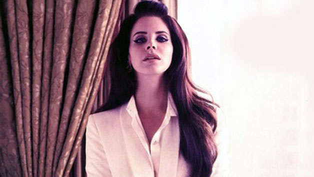 Lana Del Rey – Meet Me In The Pale Moonlight