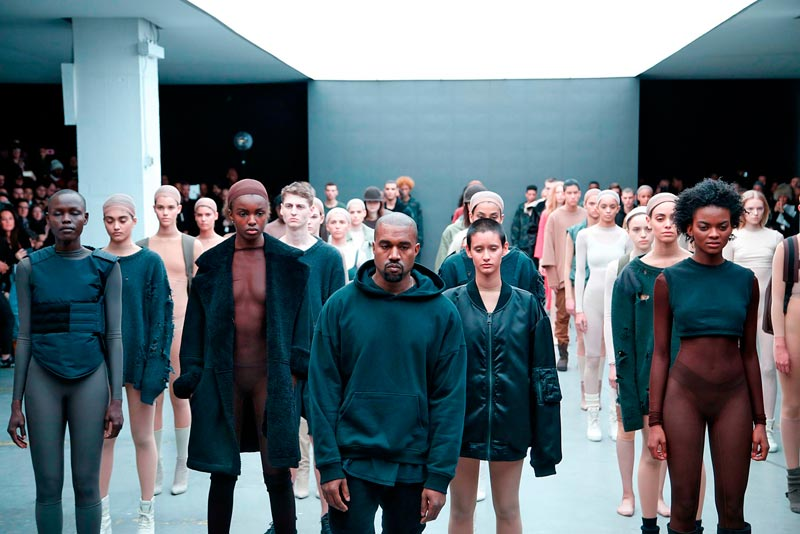 """Kanye West """"Wolves"""" feat. Vic Mensa & Sia   Νέο Τραγούδι"""