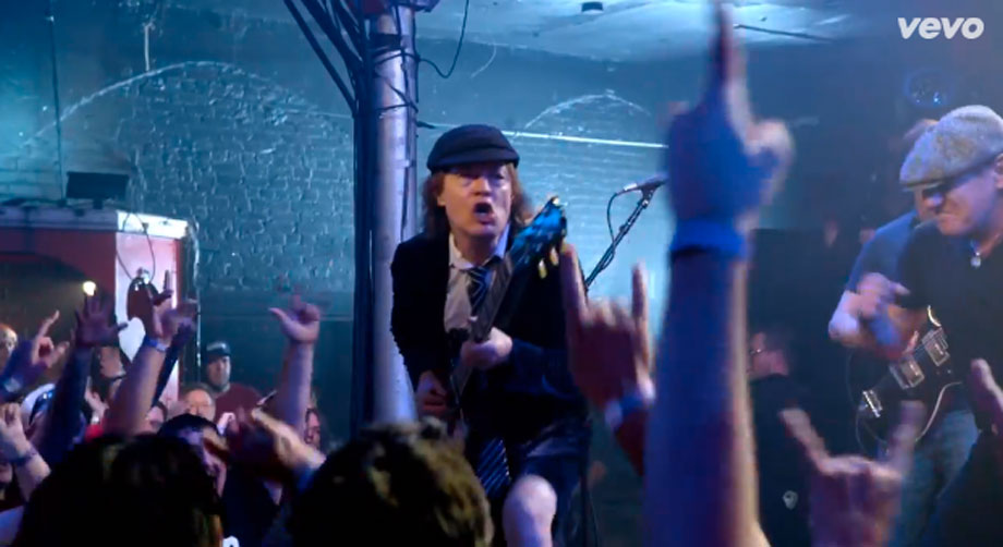 ACDC - Rock The Blues Away Δείτε το video clip