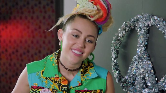 Miley Cyrus – In the Hands of Love | Νέο single