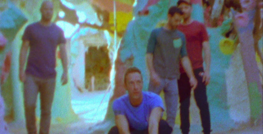 Coldplay - Birds (official video clip) - Hit Channel