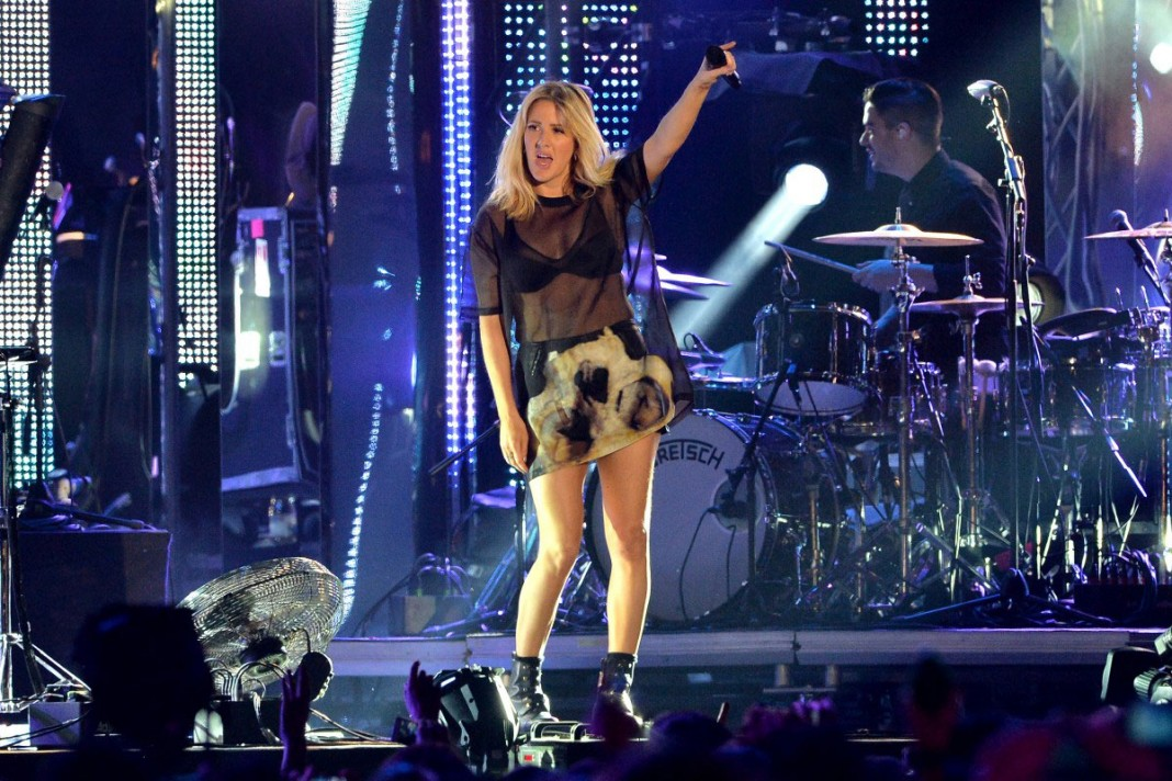 """Ellie Goulding: Δείτε το νέο της βίντεο """"Something In The Way You Move"""""""
