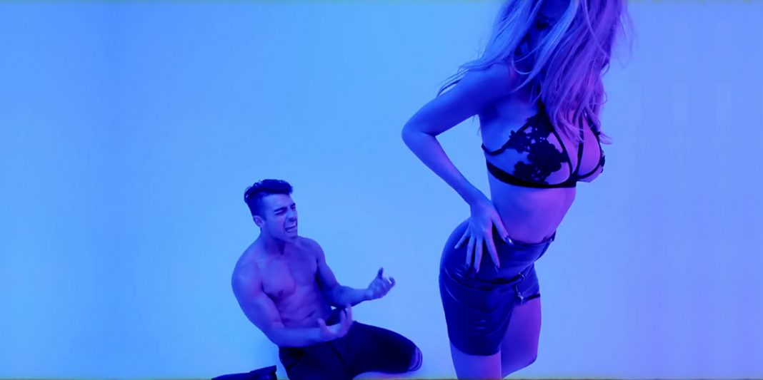 DNCE - Joe Jonas - Body Moves (official video clip) - Hit Channel