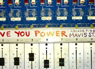 Arcade Fire ft Mavis Staples - I Give You Power - Hit Channel