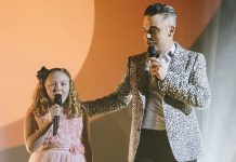 Robbie Williams surprises fan - Hit Channel