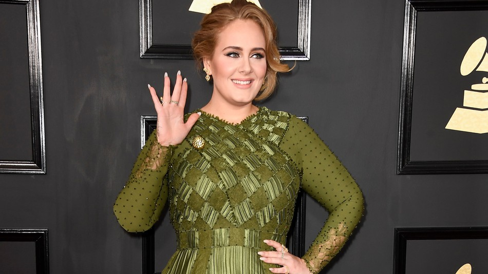 Adele - rad carpet - Grammy Awards 2017 - Hit Channel