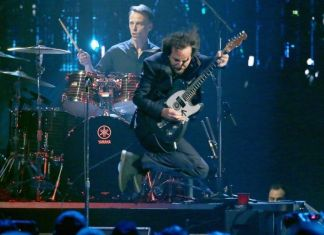 Pearl Jam - Rock & Roll Hall of Fame 2017