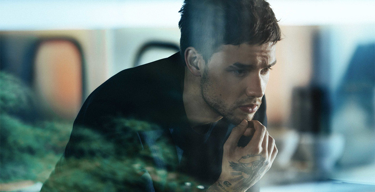 Liam payne video clip bedroom floor for Bedroom floor liam payne lyrics