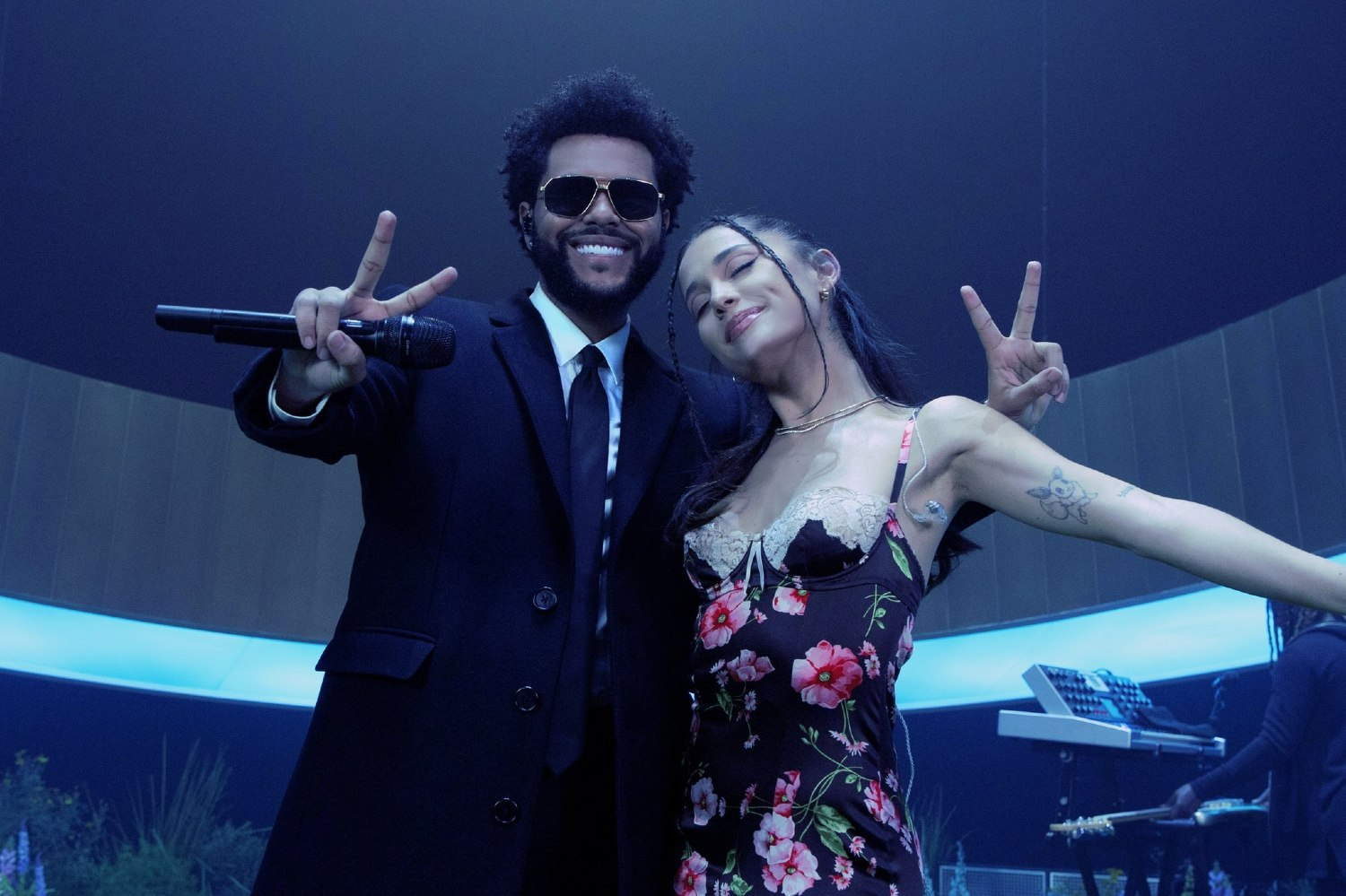 Ariana Grande The Weeknd Off The Table Official Live Performance Vevo 1874837